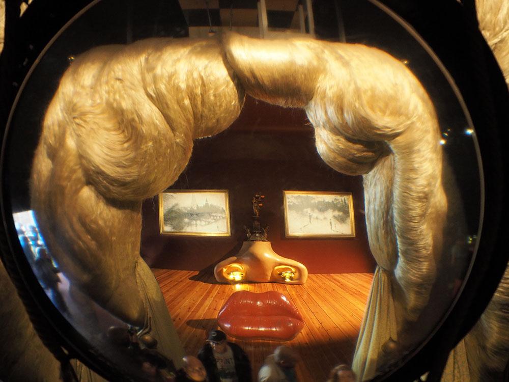 スペイン観光 ダリ美術館 世界一奇抜な美術館 09