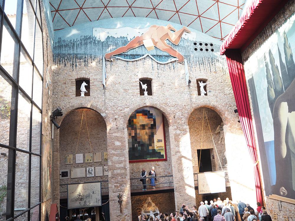 スペイン観光 ダリ美術館 世界一奇抜な美術館 05