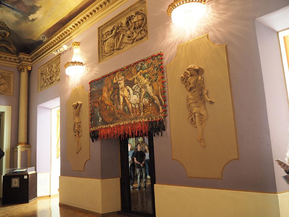 スペイン観光 ダリ美術館 世界一奇抜な美術館 06
