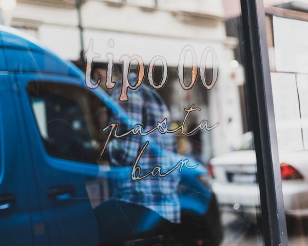 【メルボルンレストラン】癖になるイカスミパスタtipo00